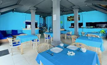 Nusa Lembongan hotels beachfront restaurant